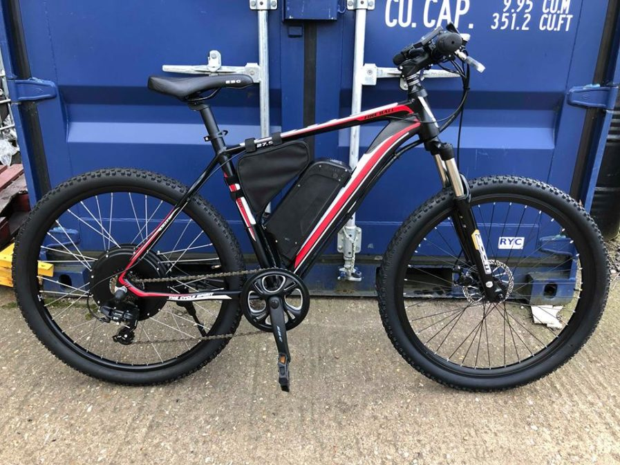 rower elektryczny wersja kolor czerwony